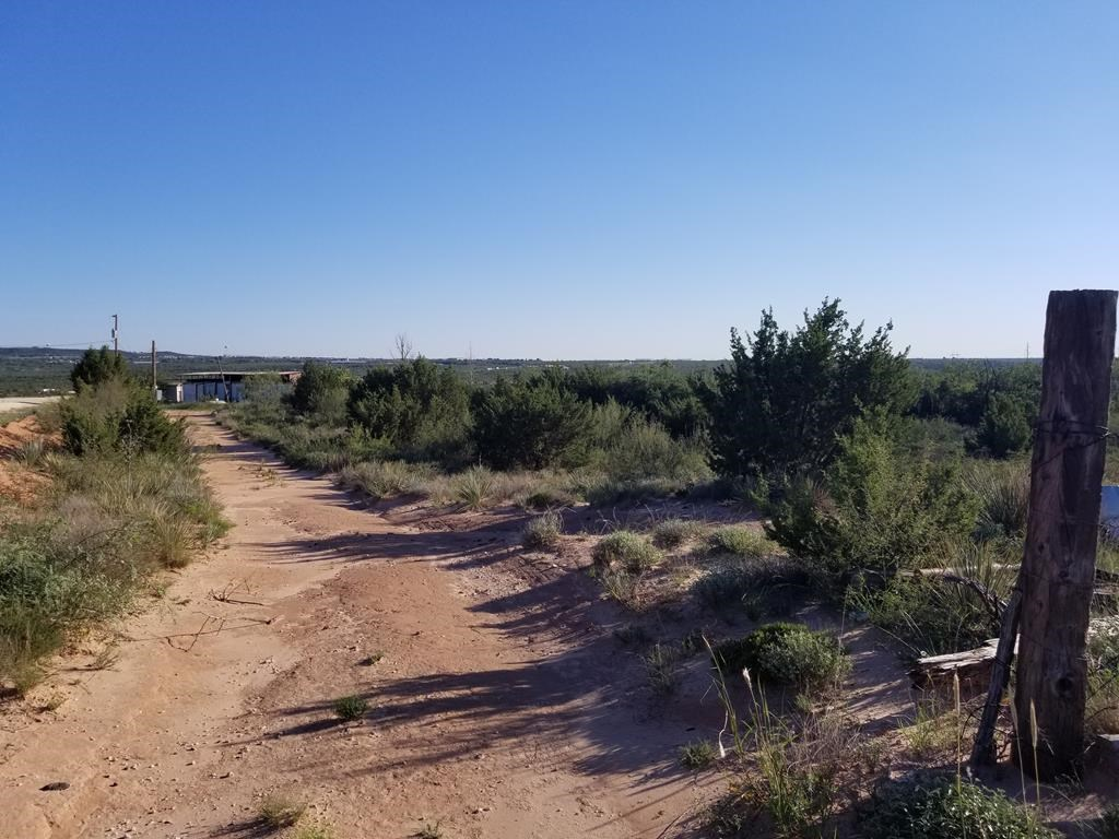 IF YOUR LOOKING FOR ACREAGE, COME TAKE A LOOK!