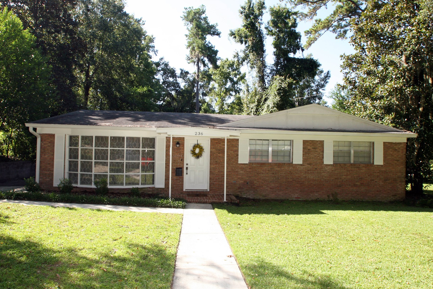BEAUTIFUL 4/2 BRICK HOME IN LAKE CITY, FLORIDA