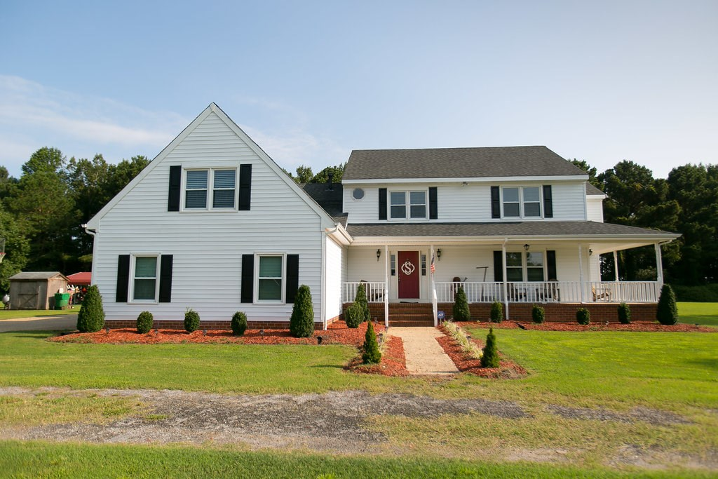 COUNTRY HOME WITH ACREAGE