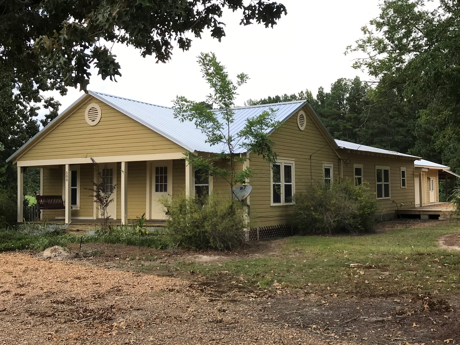 3bd/2ba Farm House w/1bd/1ba Apartment in Oktibbeha County