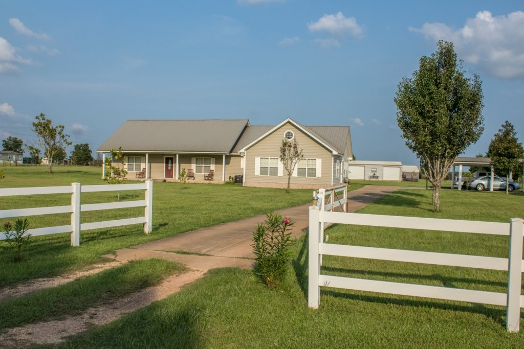 4BED/3BATH COUNTRY HOME FOR SALE HARTFORD, AL ON 1.92 ACRES