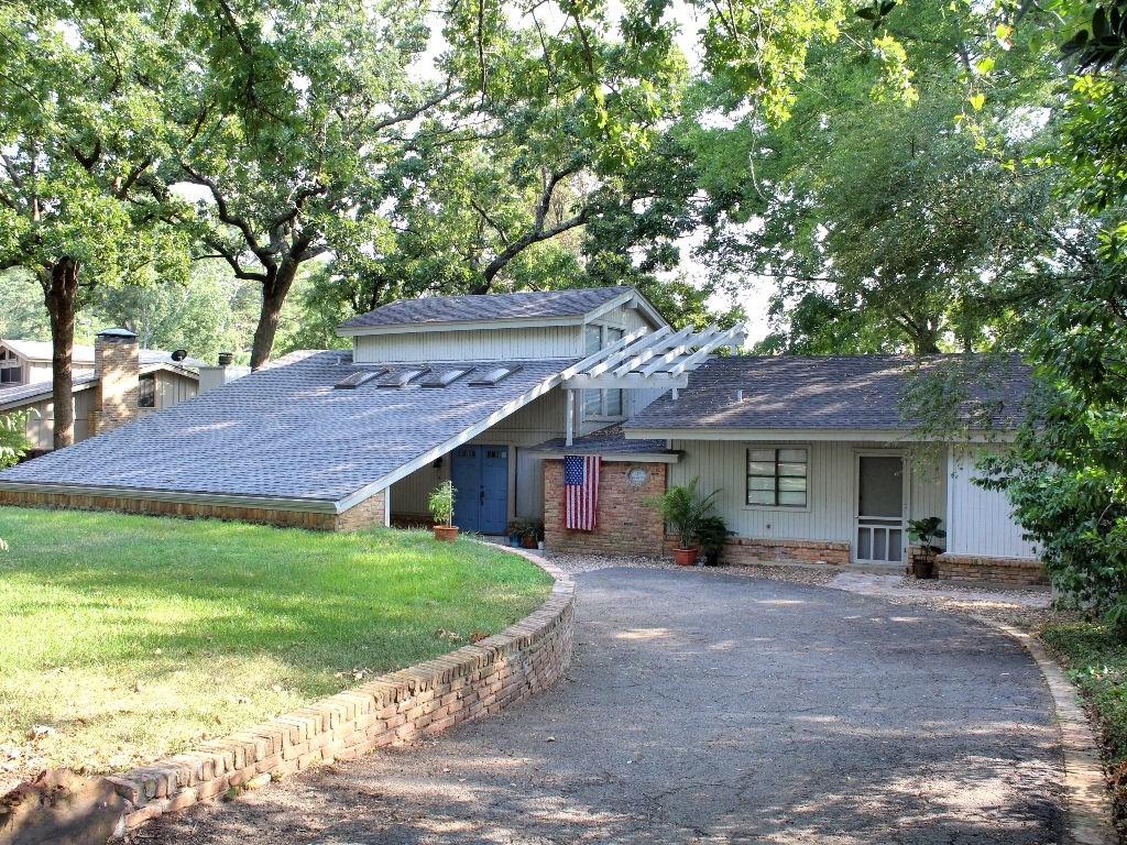 SOUTH FACING LAKEFRONT HOME ON LAKE PALESTINE, BULLARD TX