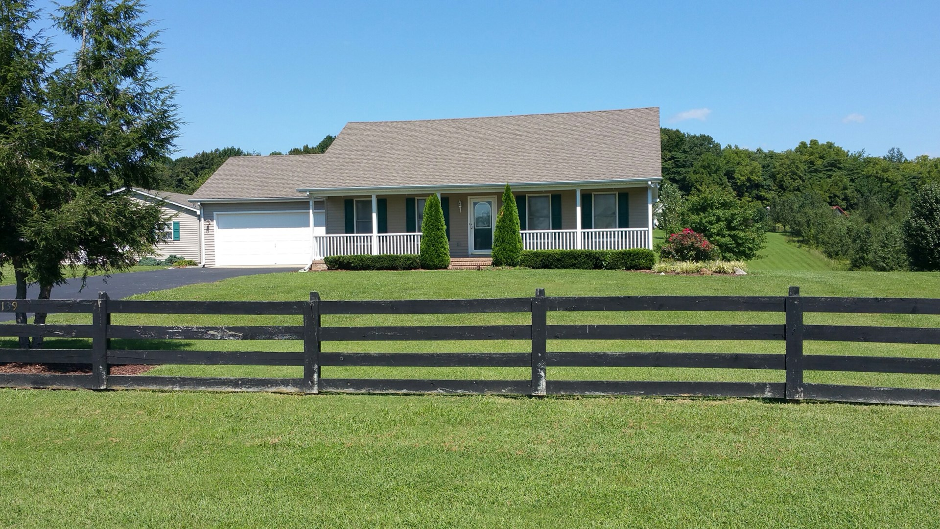 Country home near Franklin Ky. for sale