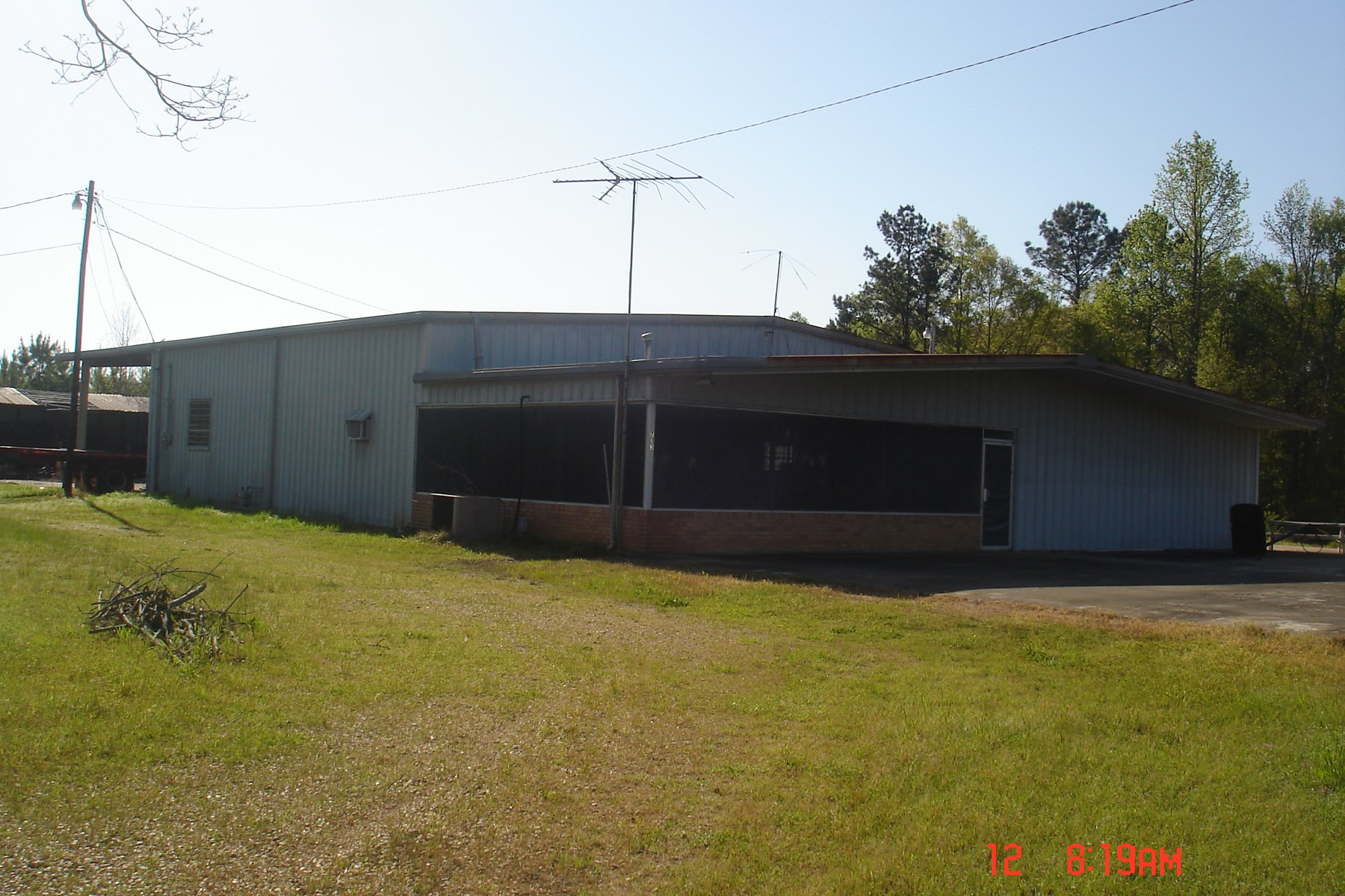 Commercial Building on 9 Acres in Winston County, MS