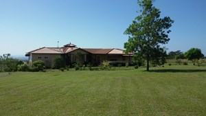 PANAMA HIGHLANDS CUSTOM BUILT LUXURY HOME WITH MOUNTAIN VIEW