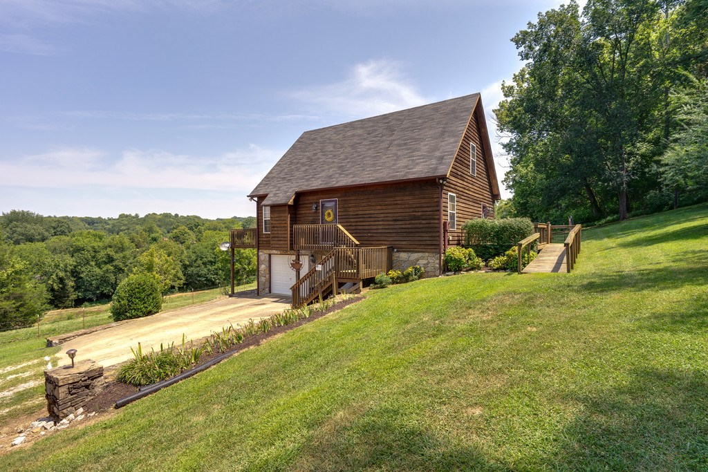 Mount Pleasant, Maury County Country Home w/Acreage For Sale