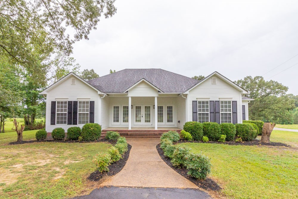 Beautiful Home near Golf Course, Adamsville, TN