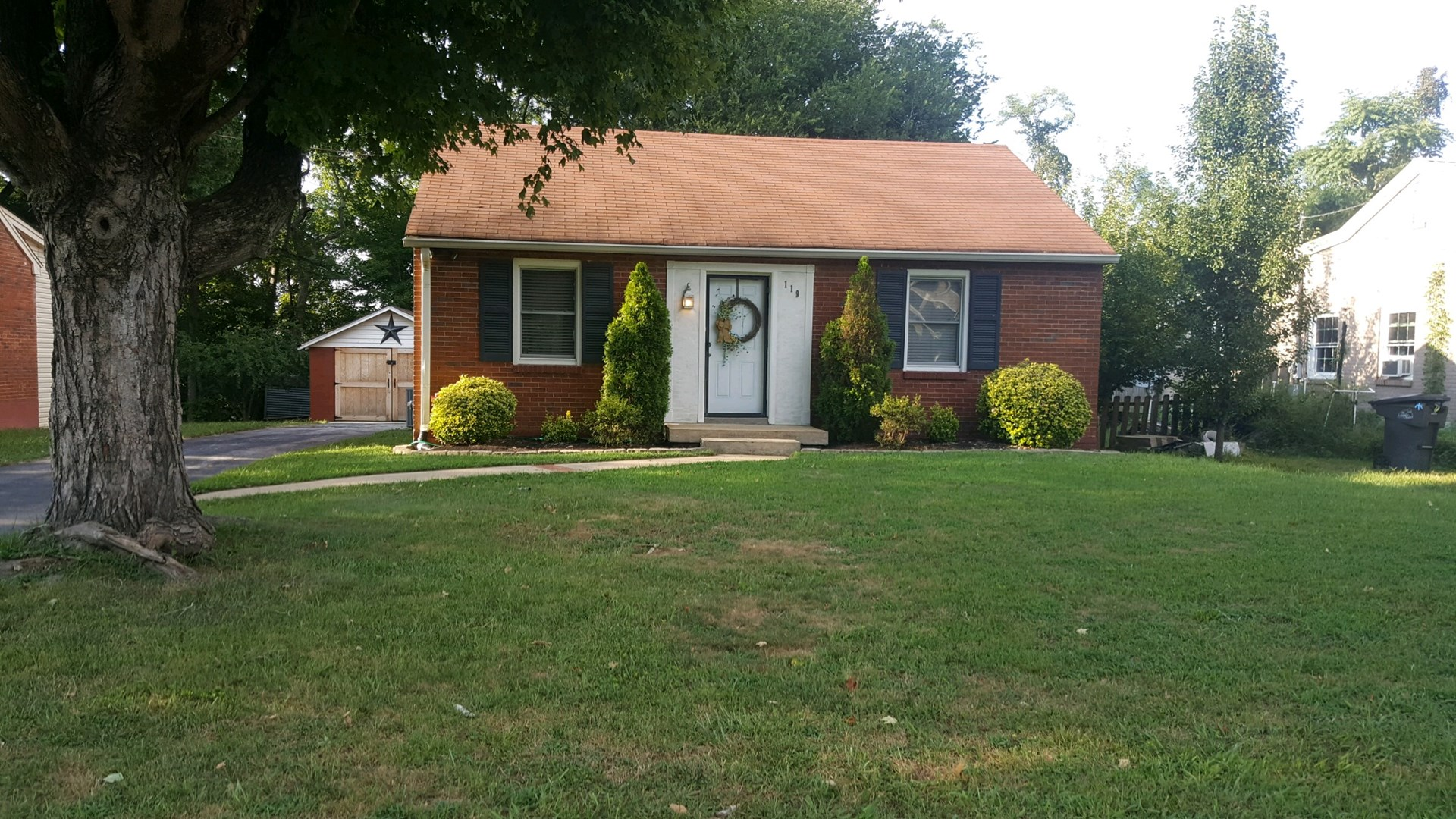 Columbia,, Tennessee Maury County Home in Town For Sale