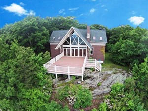 MOUNTAIN HOME WITH LONG RANGE VIEWS IN PATRICK COUNTY, VA
