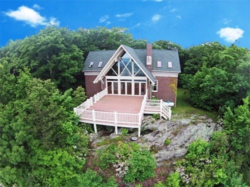 HOME WITH LONG RANGE VIEWS IN PATRICK COUNTY, VA