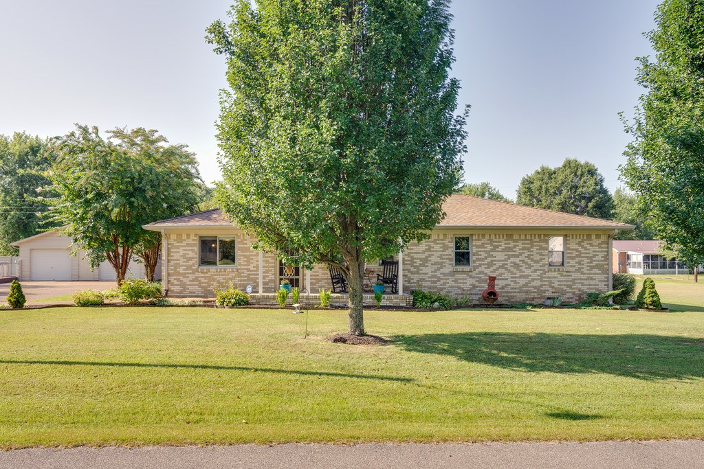 Hohenwald, Tennessee Lewis County Home/ 3 Lots For Sale