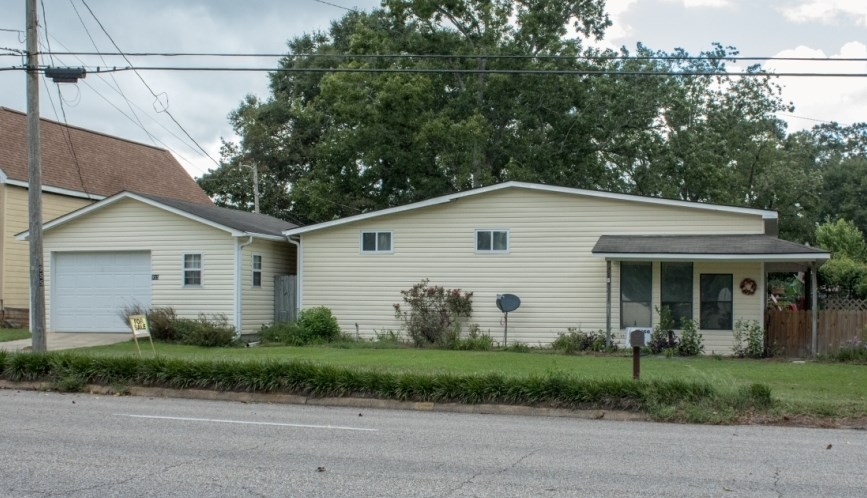 NICE, COZY 2B/2B MB FOR SALE IN HARTFORD, AL NEAR TOWN