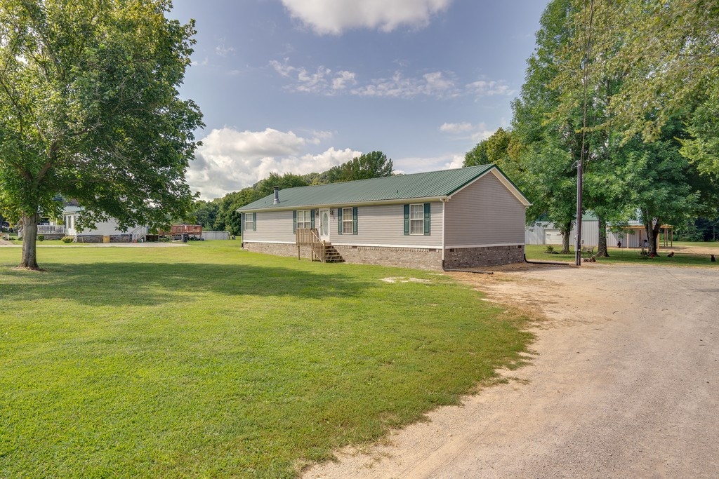 Mount Pleasant Maury County Country Home w/Acreage For Sale