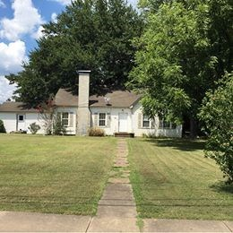COMMERCIAL OR RESIDENTIAL! Large Home on large corner lot!