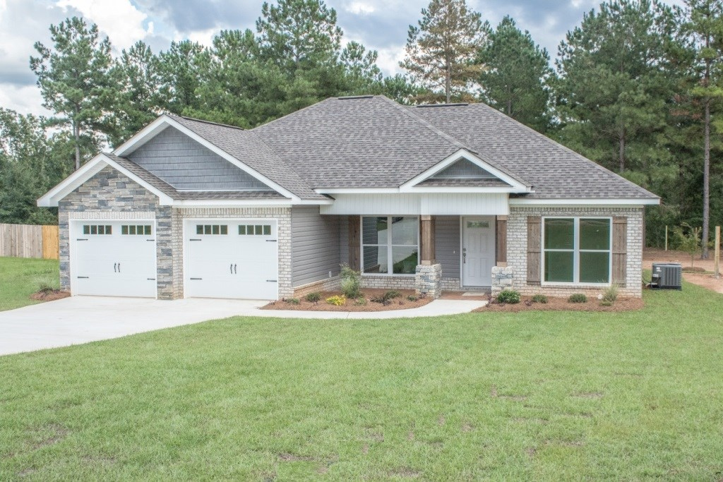 NEW CONSTRUCTION HOME 3B/2B ON .55 ACRE LOT HARTFORD, AL
