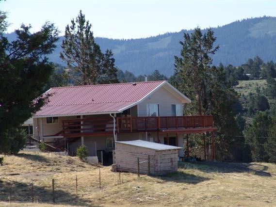 Home on 20 acres For Sale in Modoc County.