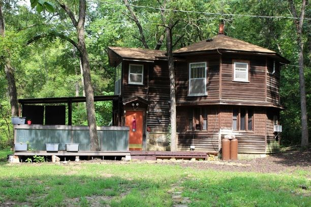Home for Sale Bordering National Forest