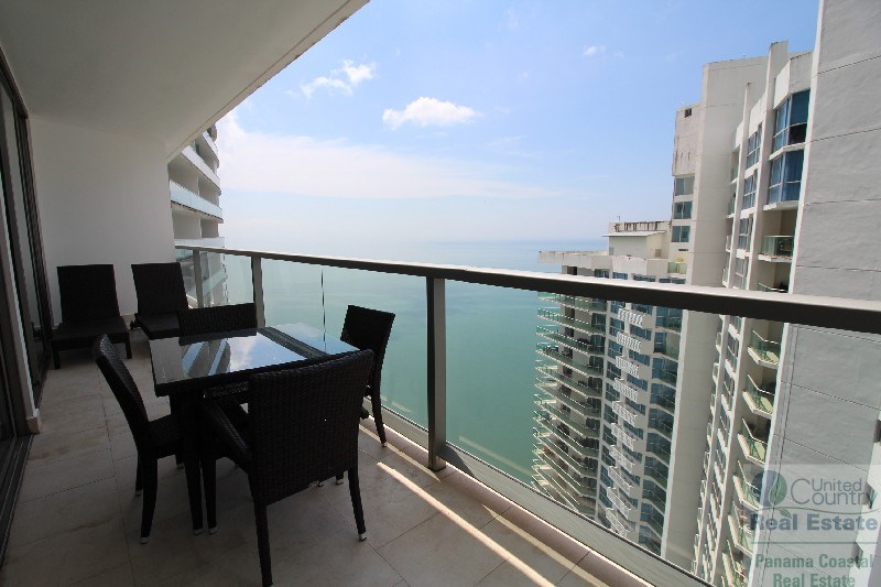 1 BEDROOM APARTMENT IN THE TRUMP TOWER PANAMA