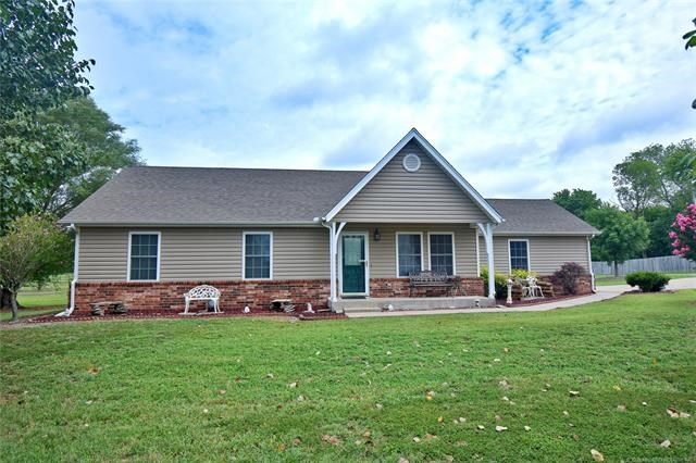 Impressive! Well Maintained Move-In Ready - Rural Residence!