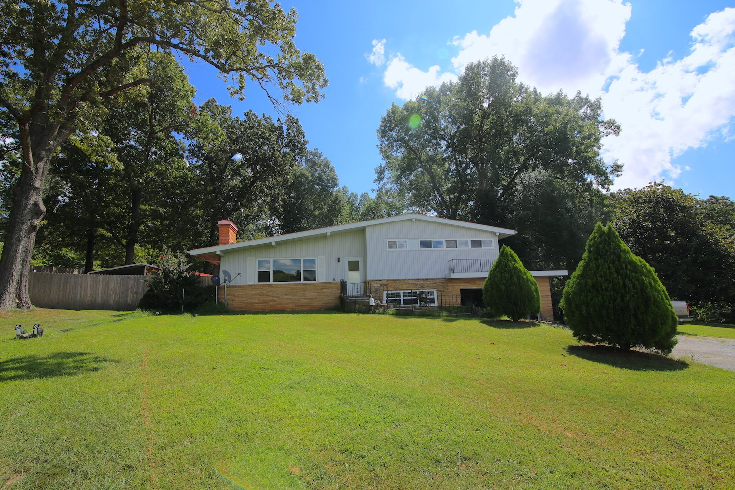 Home for Sale in Thayer School District