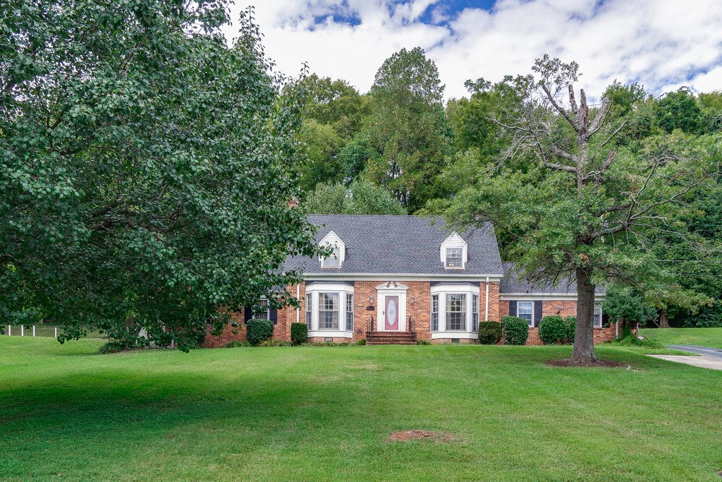 Mount Pleasant, Tennessee Maury County Country Home For Sale