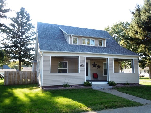 1 1/2 STORY HOME FOR SALE IN LOGAN, HARRISON COUNTY, IOWA