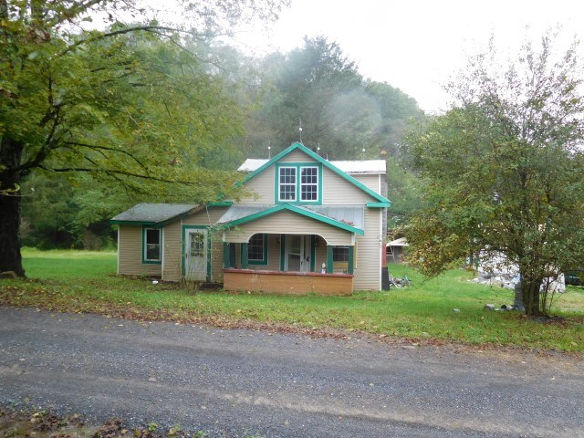 Farm House on 6.10 Acres in Baker, WV