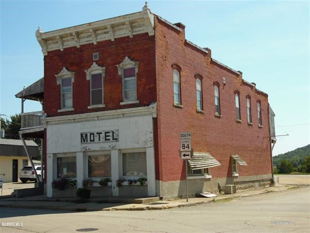 Historic Brick Hotel in Jo Daviess County, Hanover, IL