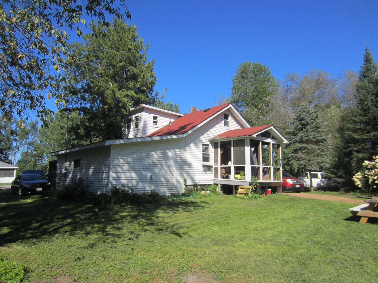 Farmhouse For Sale in Eland, Shawano County, WI