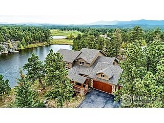 Beautiful Lakefront Home in Fox Acres