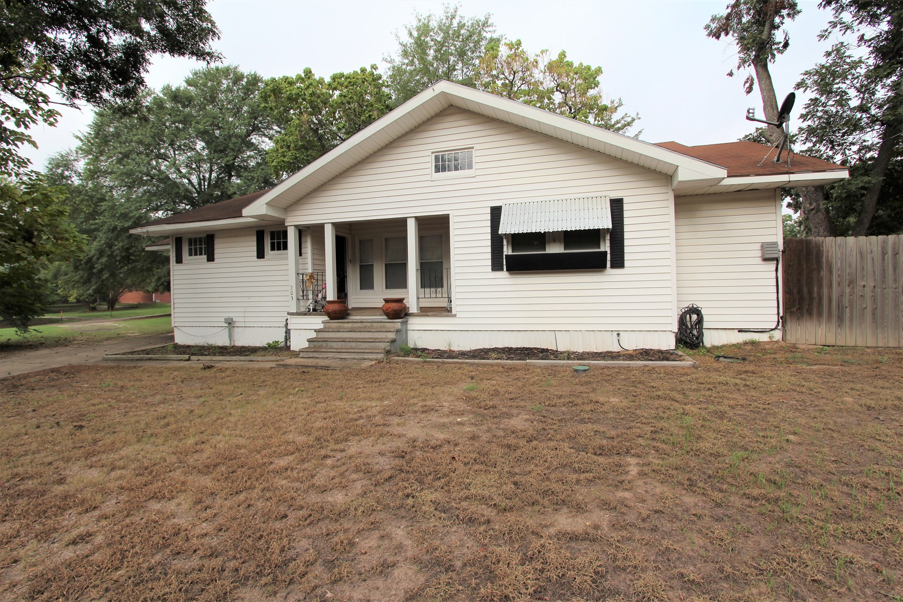 Updated Country Home For Sale In Bogata Texas