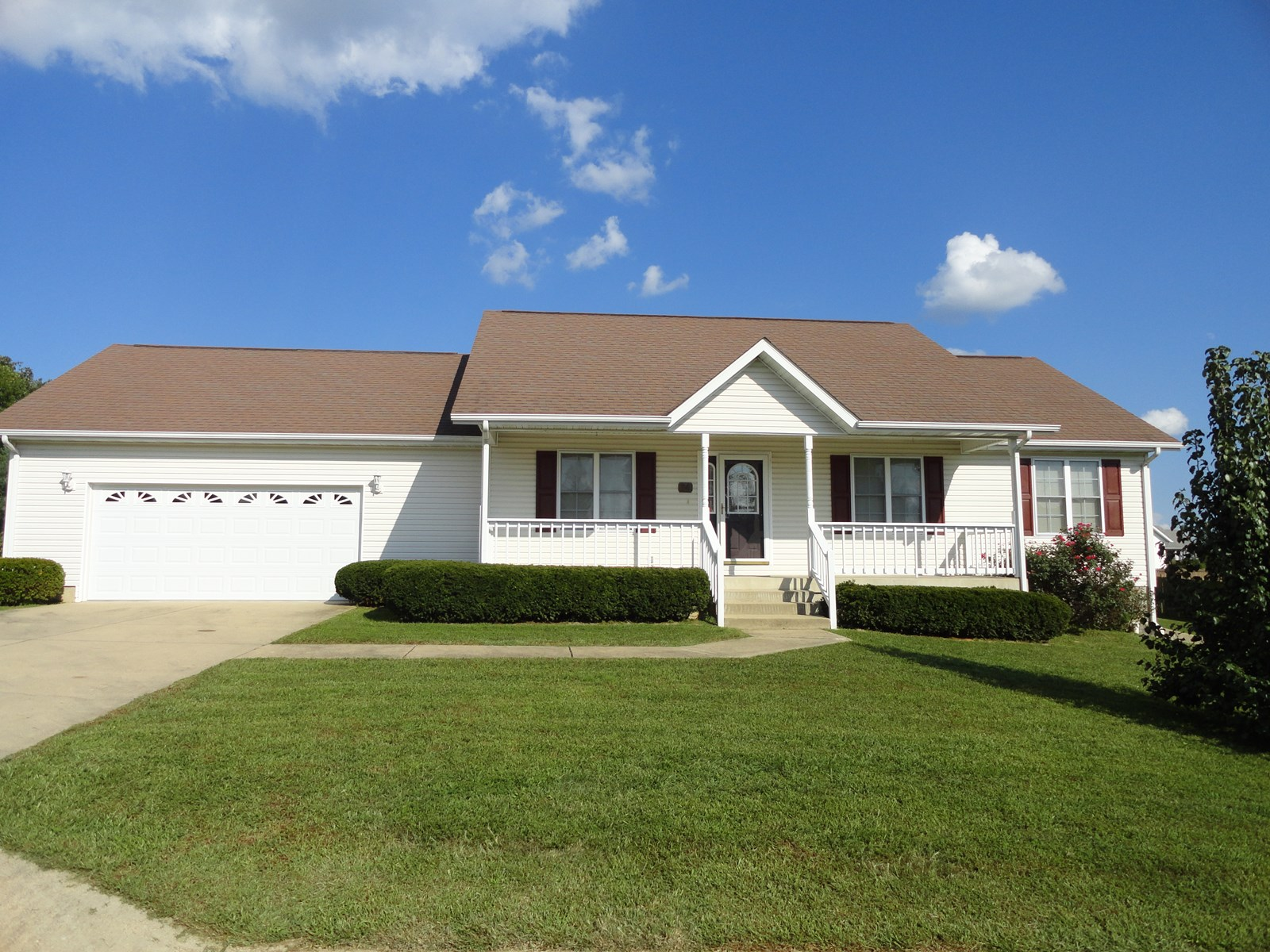 LOVELY HOME LOCATED IN SALEM MISSOURI!