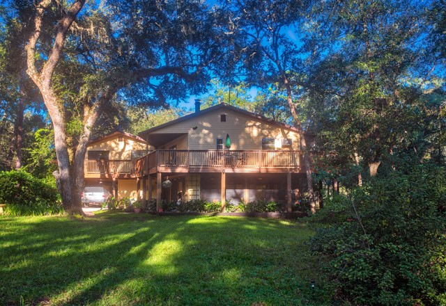 QUIET & SECLUDED HOME IN THE COUNTRY -Branford, Florida