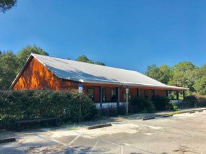 COMMERCIAL BUILDING - RESTAURANT - CHIEFLAND FLORIDA