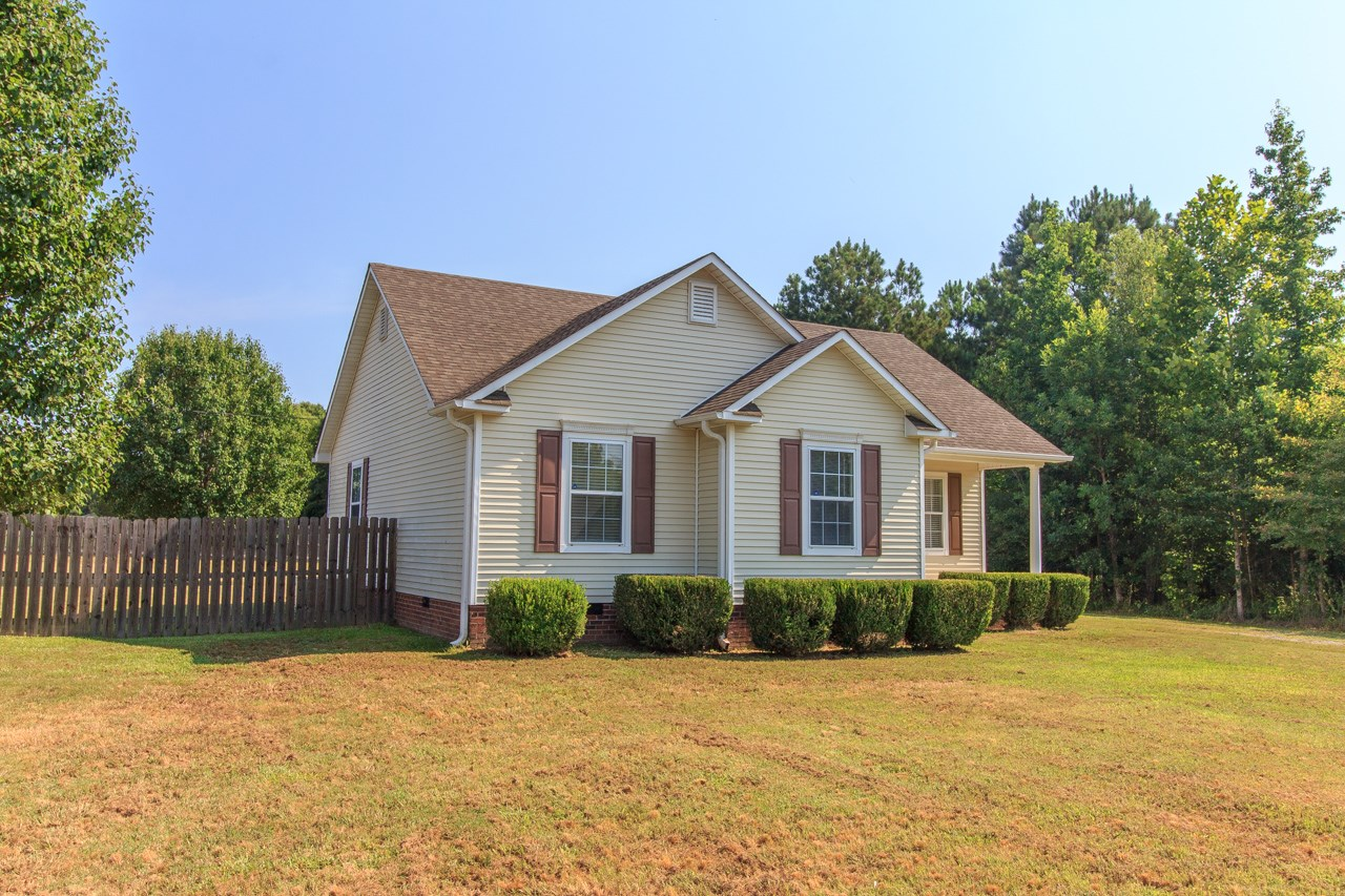 Great Starter Home in the Eastview, TN Community