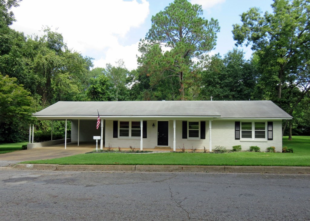 NEWLY REMODELED HOME FOR SALE IN PALESTINE CITY LIMITS