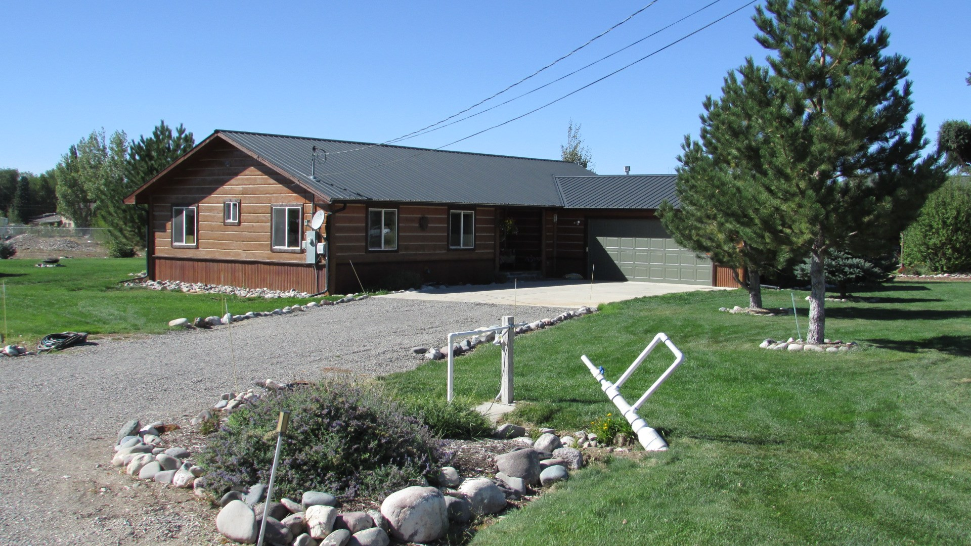 Country Home with Irrigation For Sale Montrose, Colorado