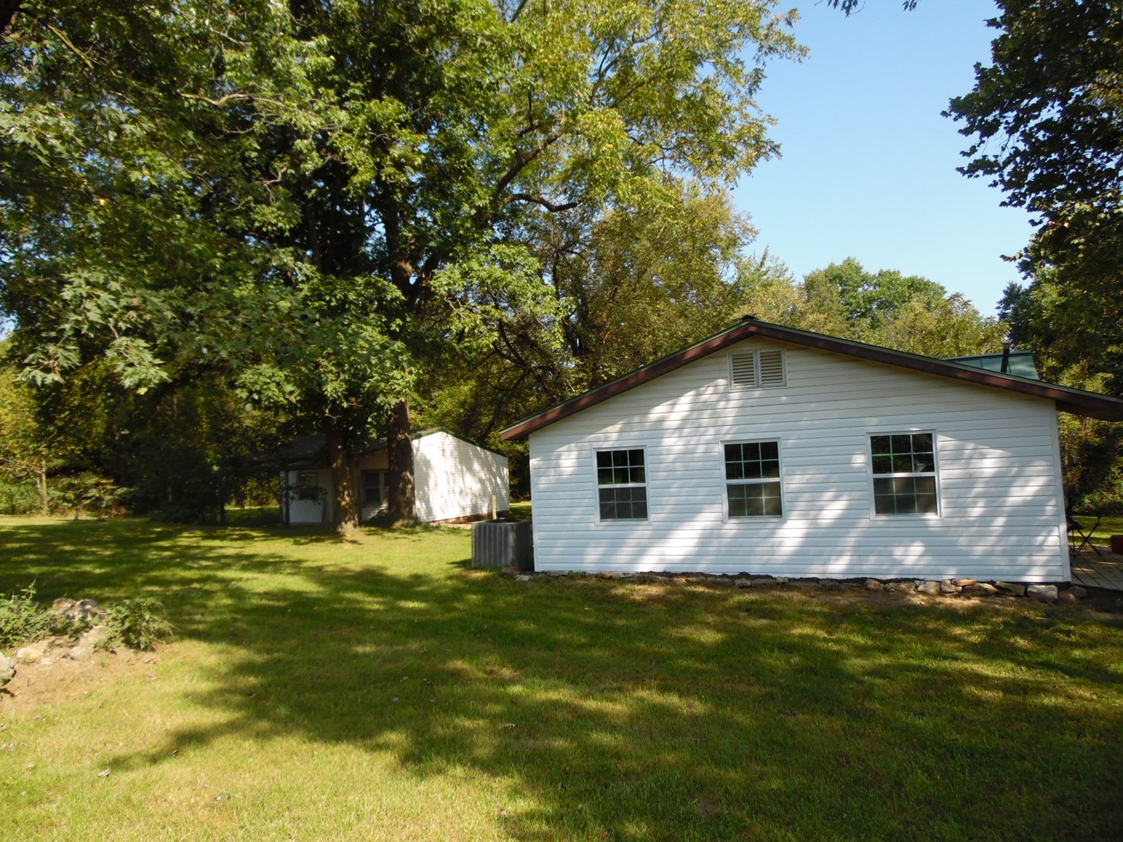 Home for Sale in Southern Missouri on Austin Lake