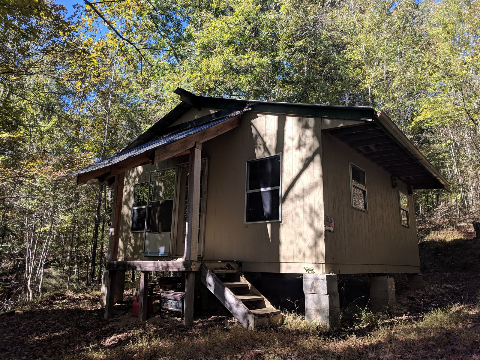Over 21 Private Wooded Acres w/ Hunters Cabin Bon Aqua, TN