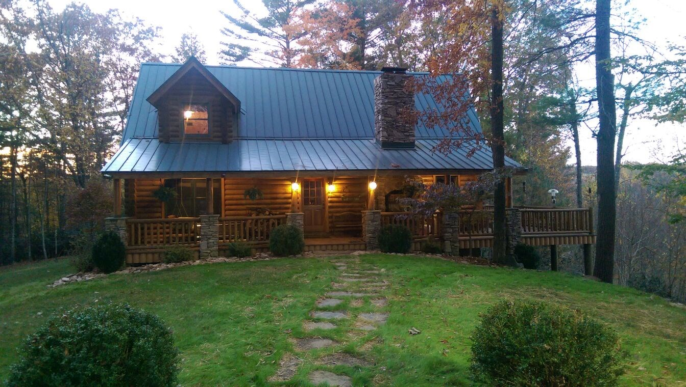 Gorgeous Post + Beam Log Home on Little River 23+ Acres