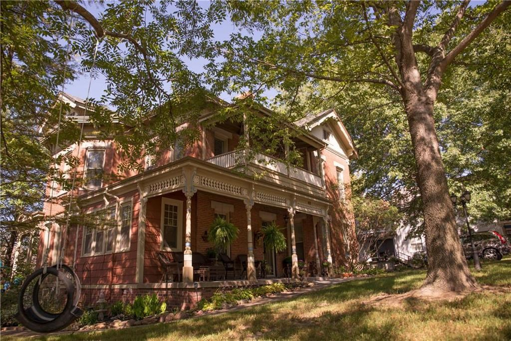 Atchison Historic Victorian Home  Queen Anne Period