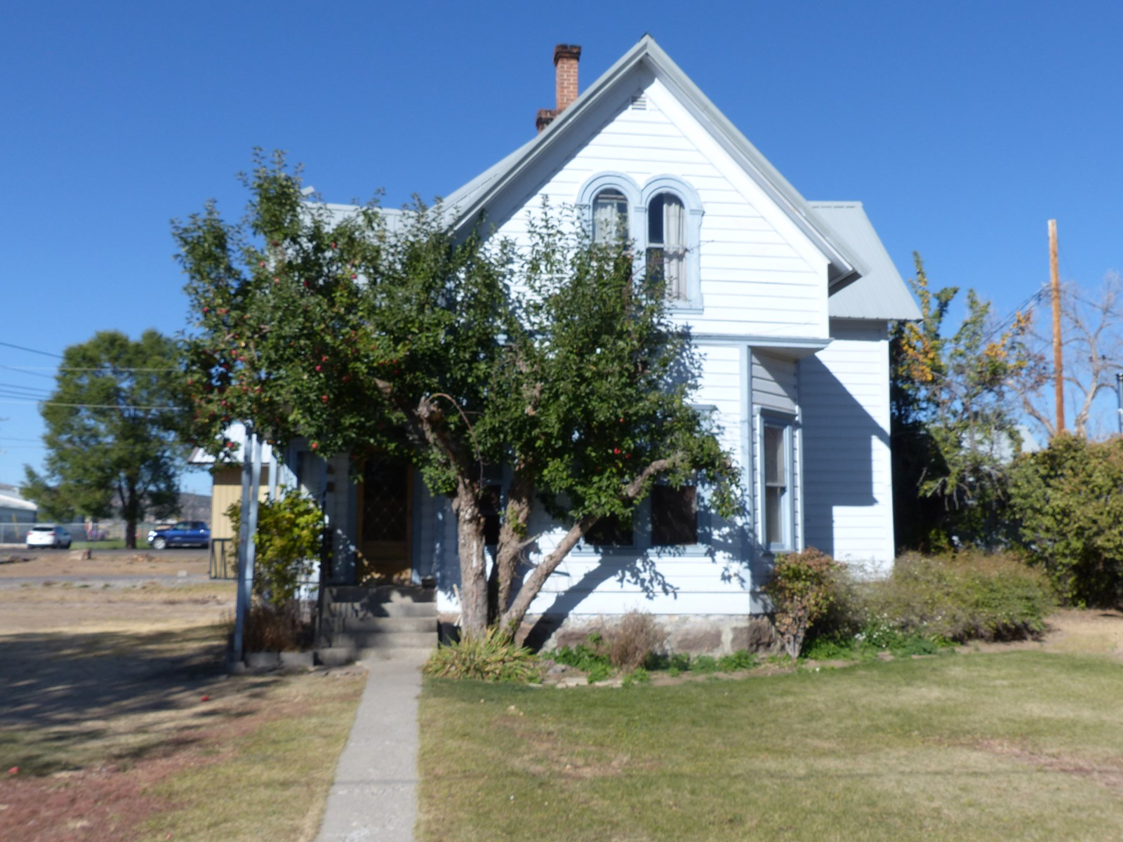 DUPLEX WITH HISTORY FOR SALE IN BURNS OR