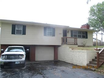 Nice Ranch Quiet Neighborhood 3 Bed, 1.5 bath w/ Fireplace