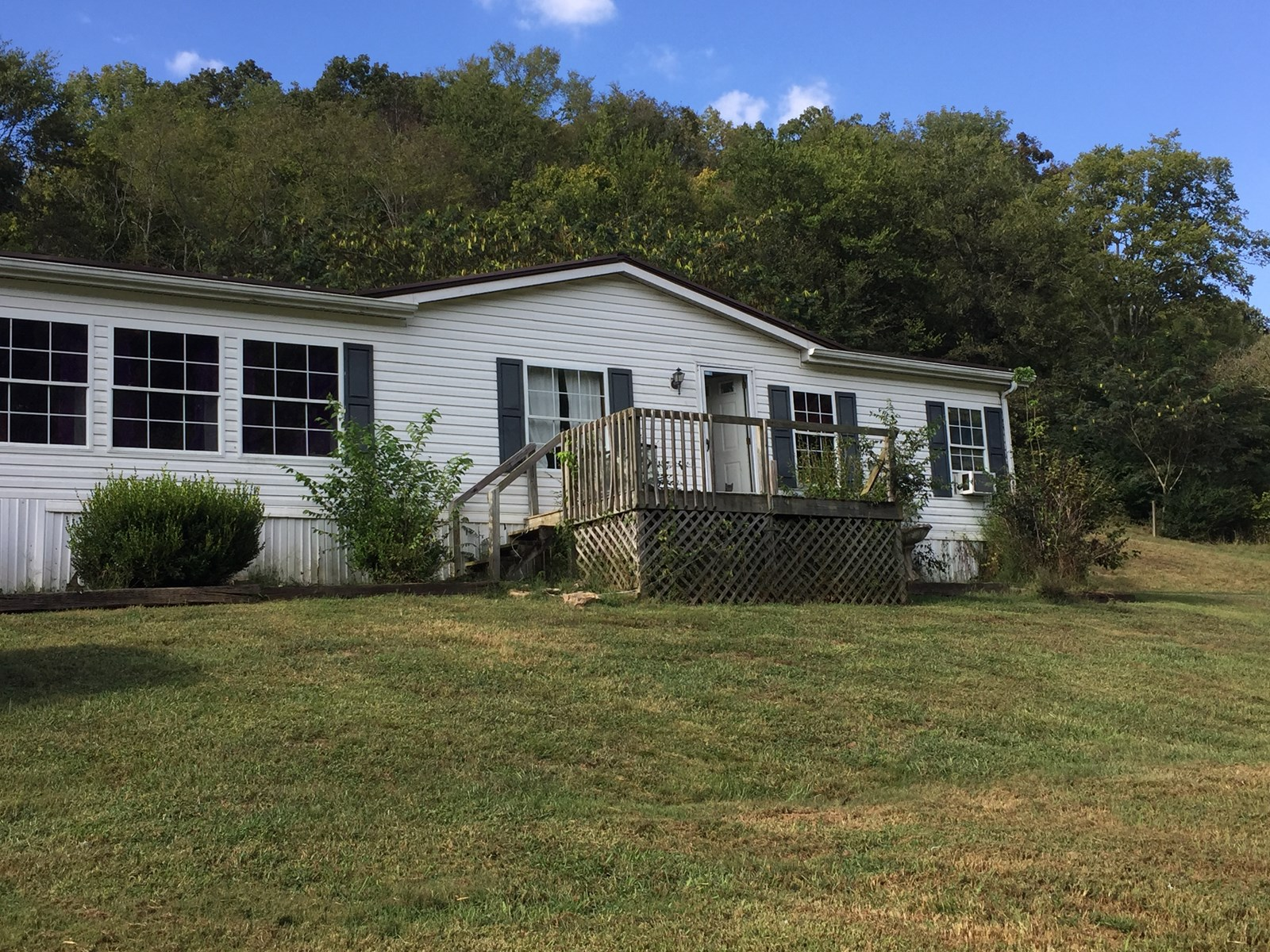 Columbia, TN Maury County Country Home with Acreage For Sale