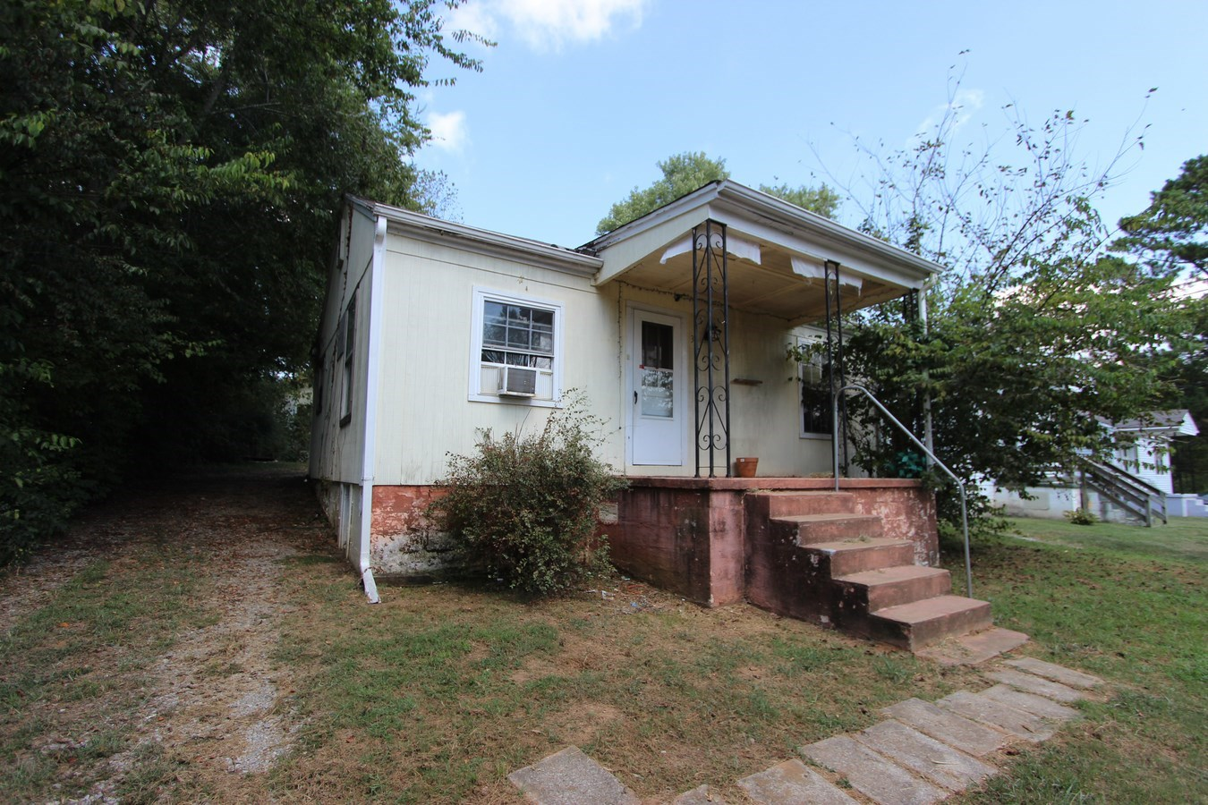 Columbia, Tennessee Maury County Home in Town For Sale