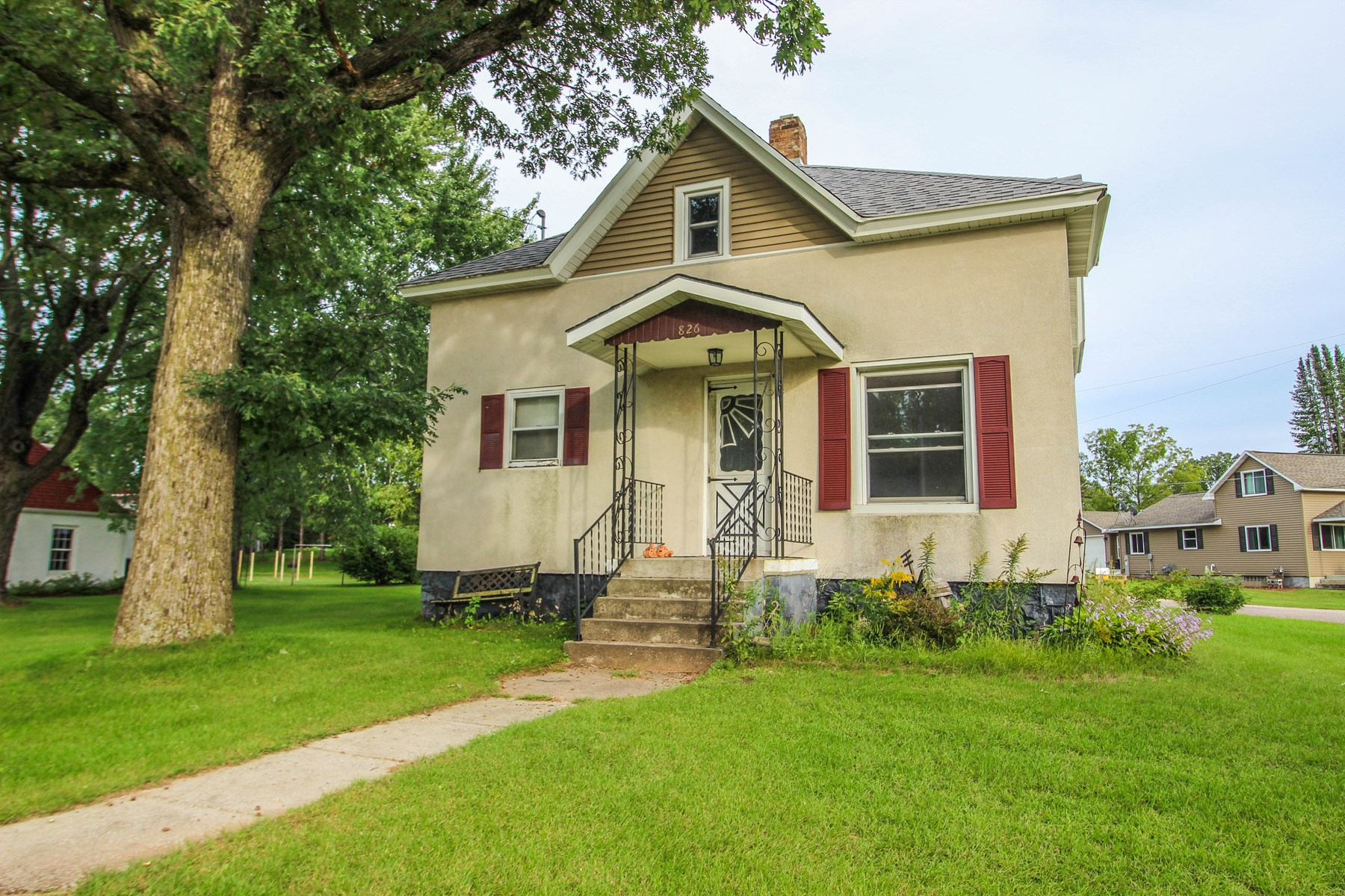 Home for Sale in Manawa, WI