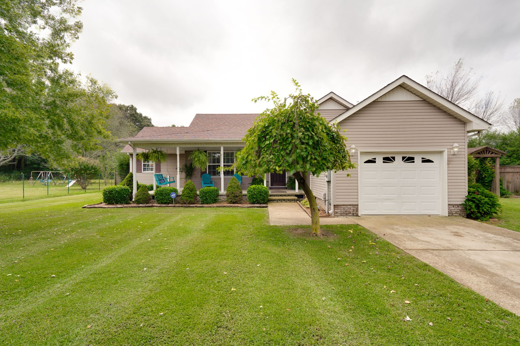 Hohenwald, Tennessee Lewis County Home In Town For Sale