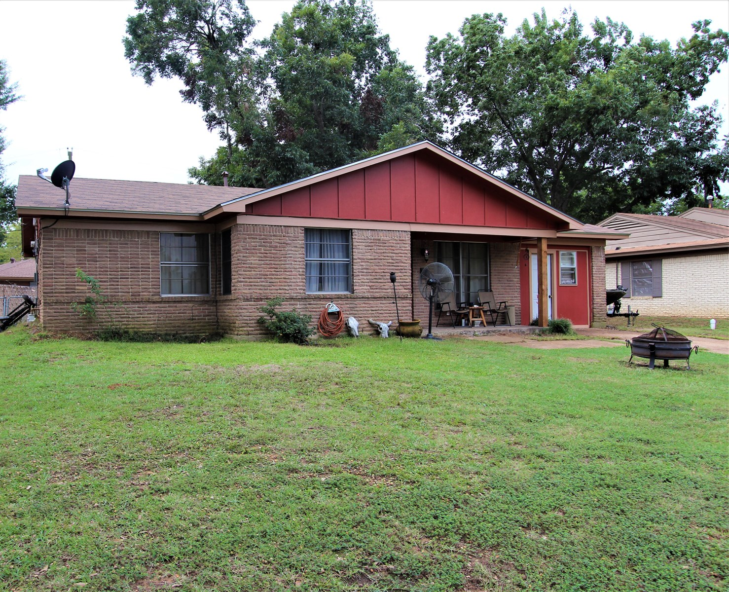Country Home In Town For Sale Paris Texas