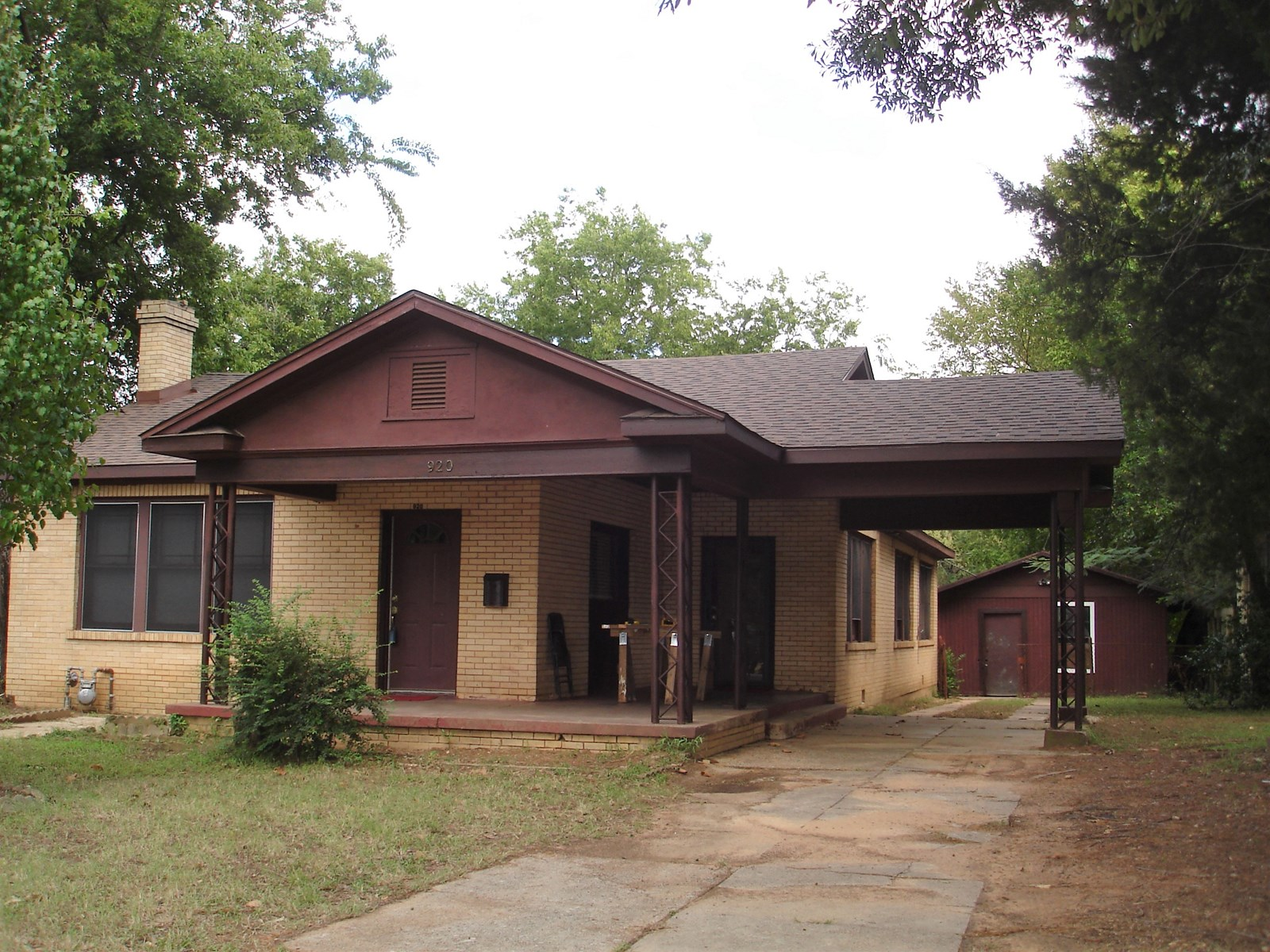 Updated Brick Home For Sale In Paris Texas