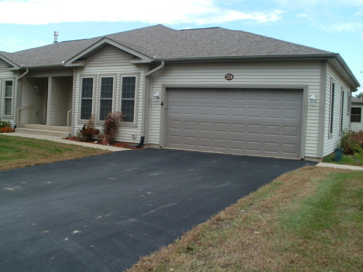 Beautiful Condo with Updates in Portage WI